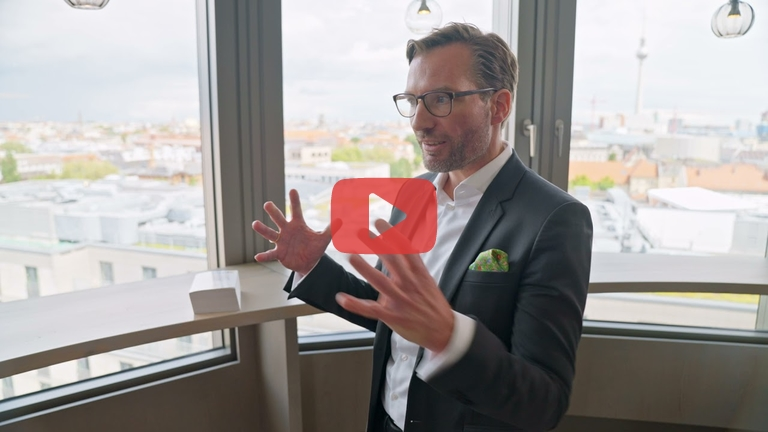Embedded thumbnail for #Chancenmacher: Dr. Sebastian Helmes, Director Ernst & Young Law GmbH